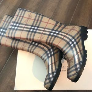 NEW IN BOX❗️- Burberry Boots